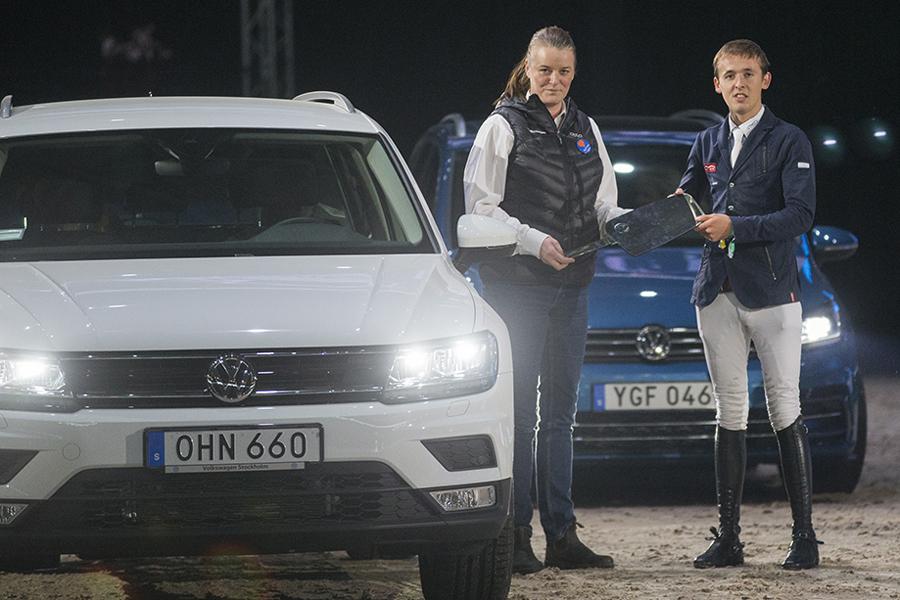 Friends Arena 161126 Bertram Allen och Molly Mallone vann 140-hoppningen och sin fjärde VW-bil. Photo: Roland Thunholm  Code: 718 35